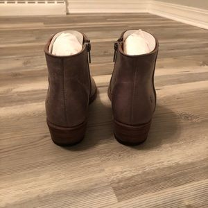Frye Shoes - Frye Carson Piping Bootie NWT Graphite Size 8